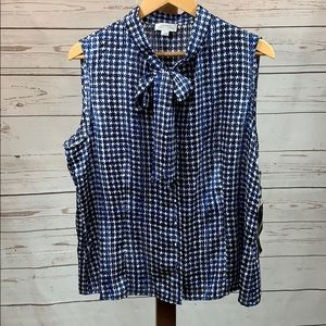 Tahari Tops - Tahari NWT Sleeveless Button Up Blouse